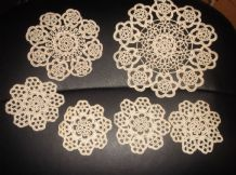 6 GENUINE VINTAGE CREAM COTTON HAND LACY ORNATE CROCHET TABLE PROTECTORS COASTER